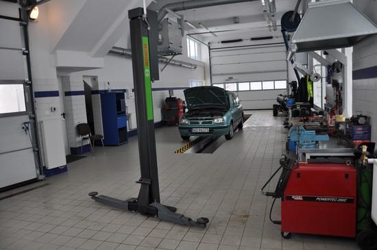 Kanał do obsługi samochodów dostawczych