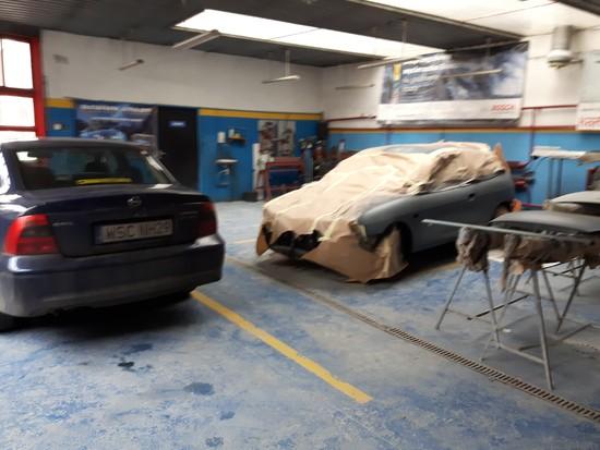 Przygotowanie samochodu do polakierowania