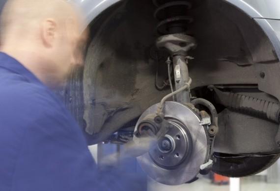 W naszym serwisie możesz wybrać SWOJEGO MECHANIKA, który będzie dbał o stan techniczny Twojego samochodu.