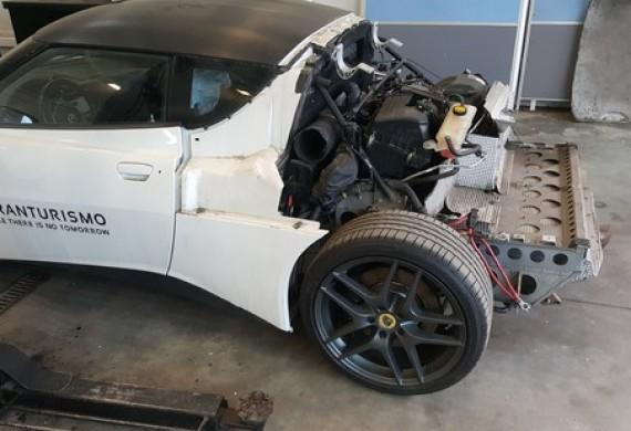 Naprawa silnika Lotusa w naszym warsztacie, nastepnie przygotowanie go do sezonu