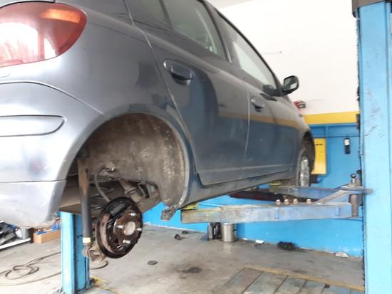 Toyota Yaris hamulce