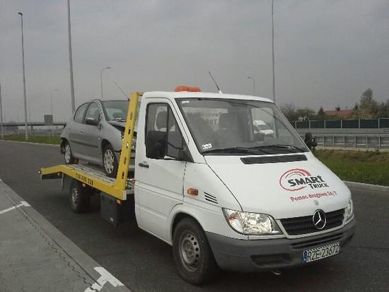 Pomoc drogowa Rzeszów, Holowanie Rzeszów, Laweta Rzeszów
